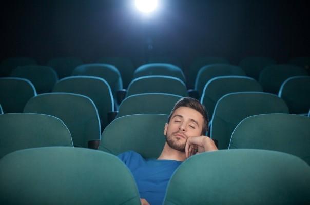 20 minut reklamy před promítáním filmu? Taky se divím, že jsem neusnul.
