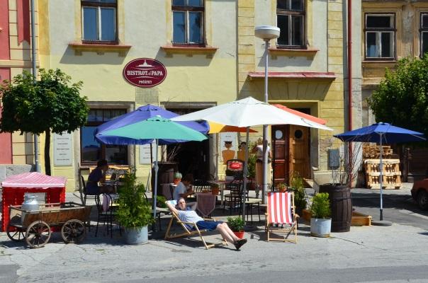 V jihočeském městečku Počátky jsme narazili na opravdu výbornou restauraci - Bistrot de papa.