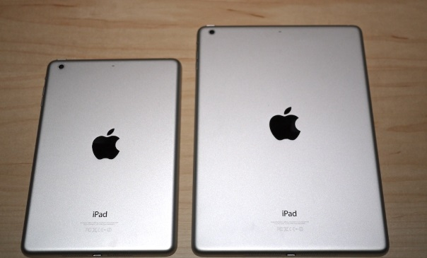 iPad-mini-vs-klasicky-iPad_zadni-strana