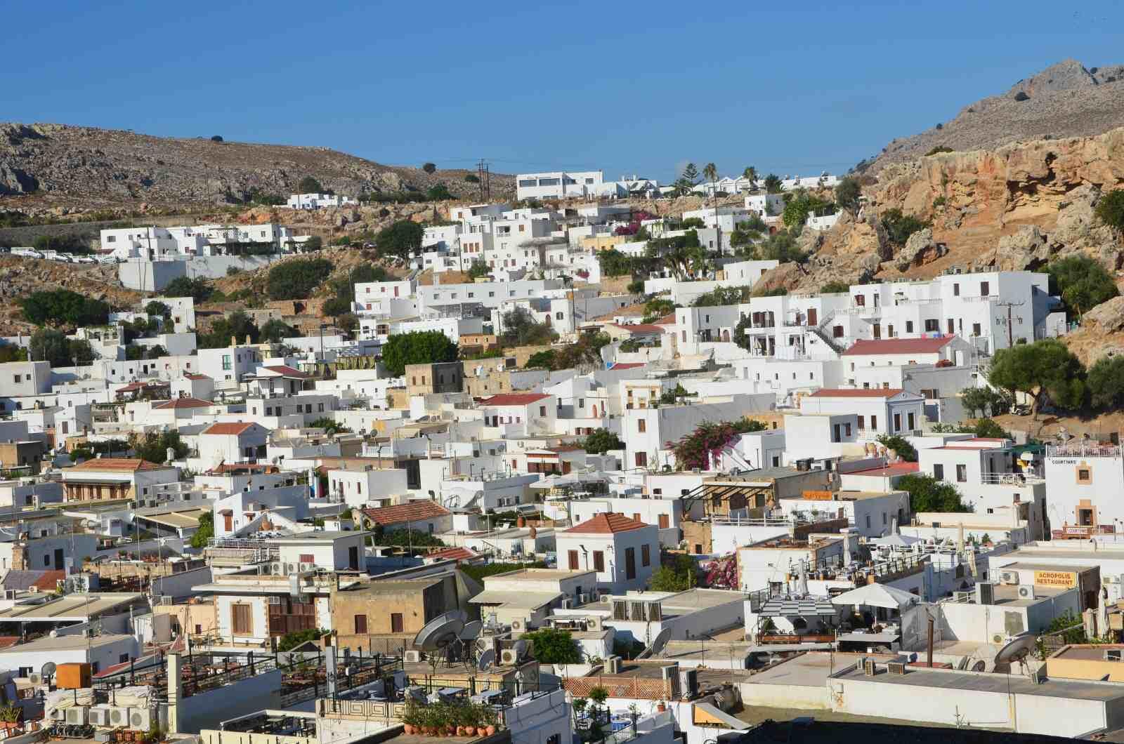 Foto 4: Pohled na městečko Lindos, Řecko, Rhodos