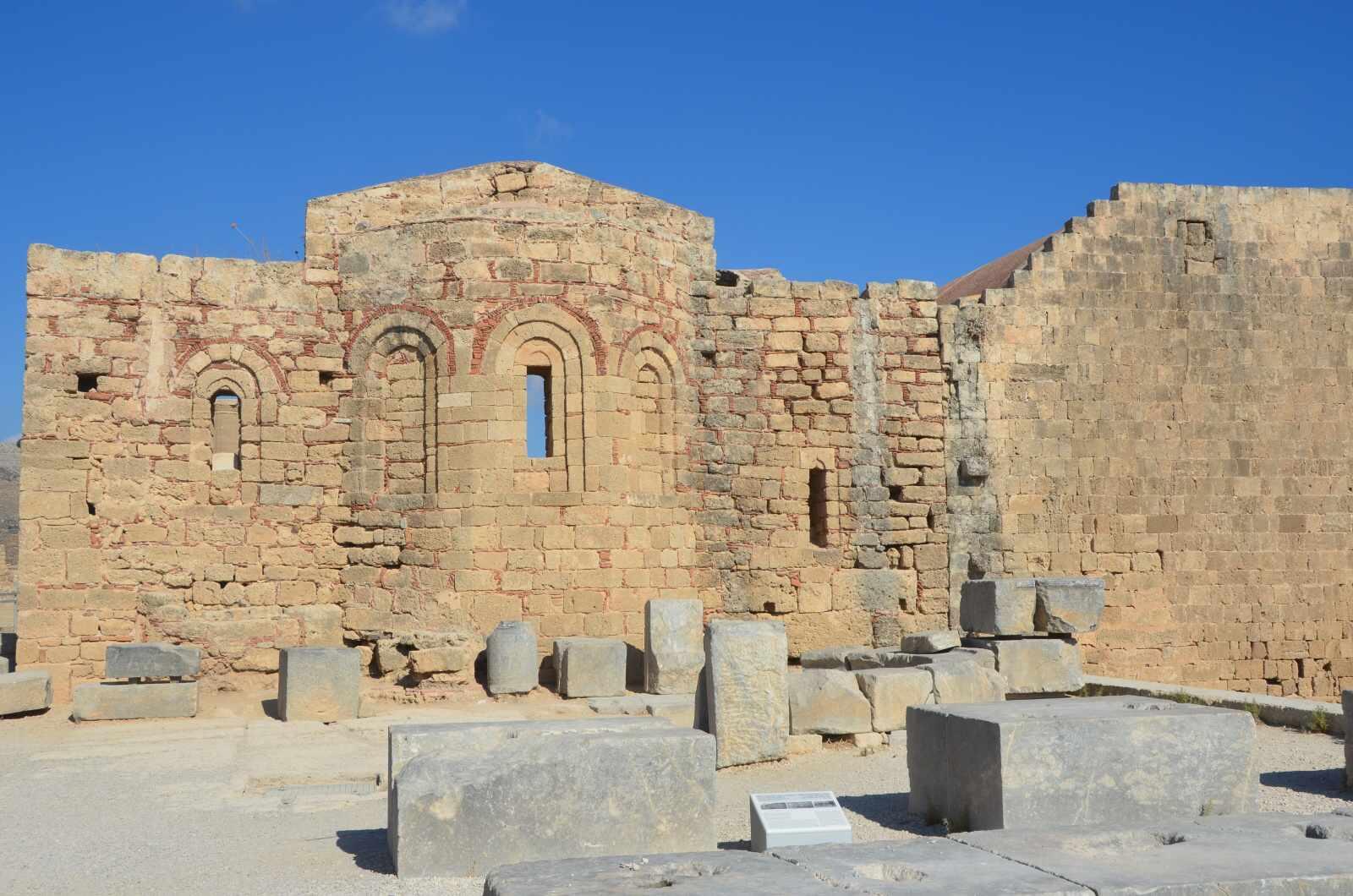 Foto 7: Zbytky starověké akropole a středověké johanitské pevnosti, Lindos, Řecko, Rhodos