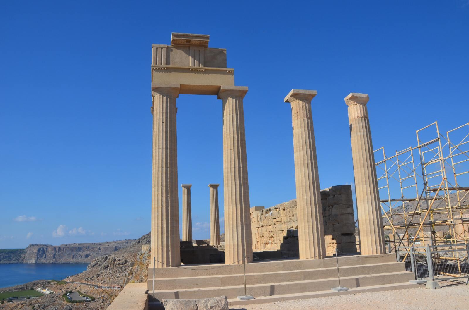 Foto 10: Zbytky starověké akropole a středověké johanitské pevnosti, Lindos, Řecko, Rhodos