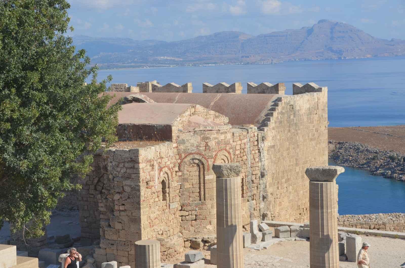 Foto 11: Zbytky starověké akropole a středověké johanitské pevnosti, Lindos, Řecko, Rhodos