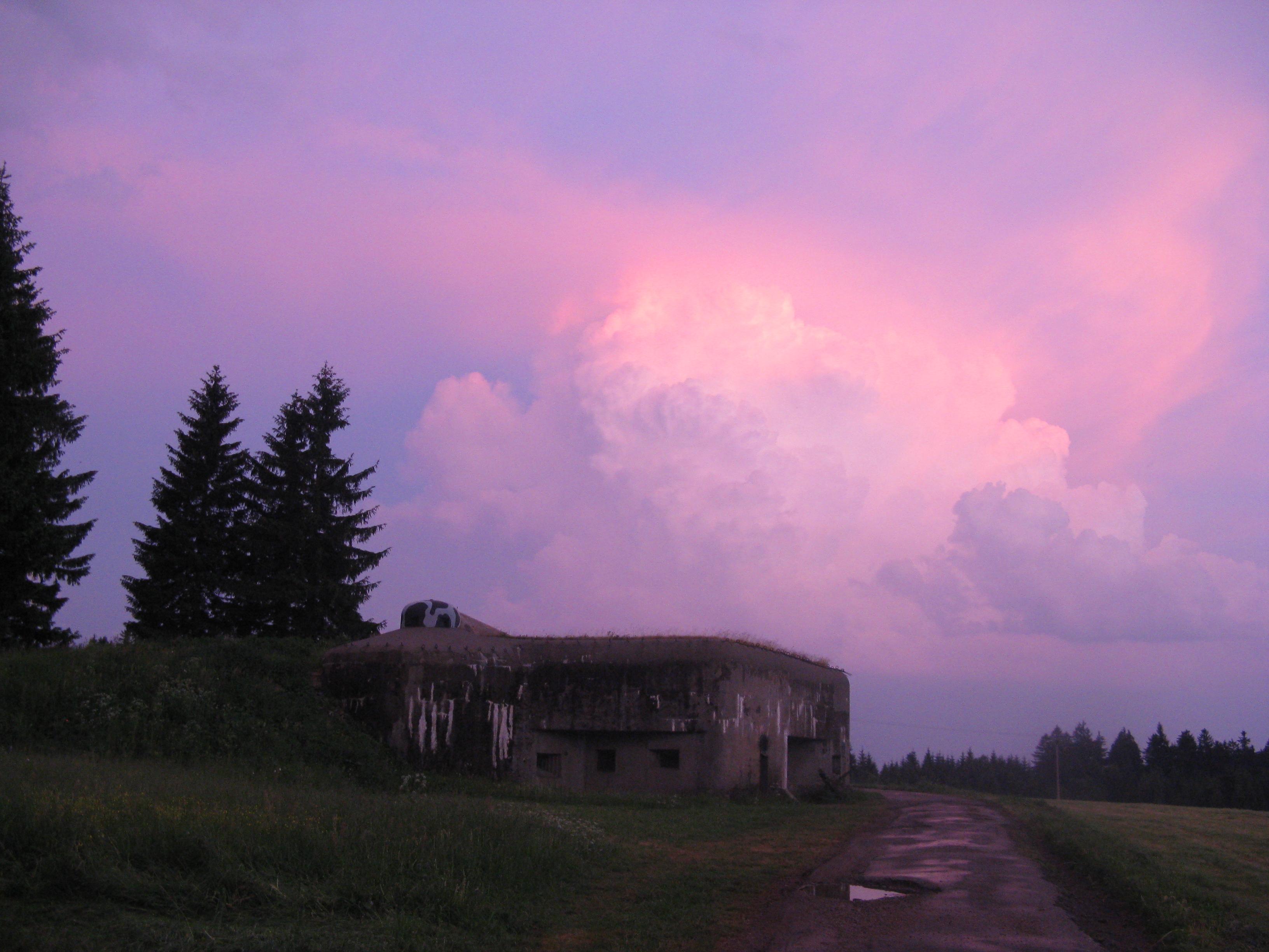Foto 7: R-S 74, foceno kolem půl desáté večer, ta fotka ani zdaleka nevystihuje jak to byl krásný pohled (ta obloha)