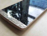 Na internetu se ceny výměny předního skla pohybovali kolem 3500 Kč.
